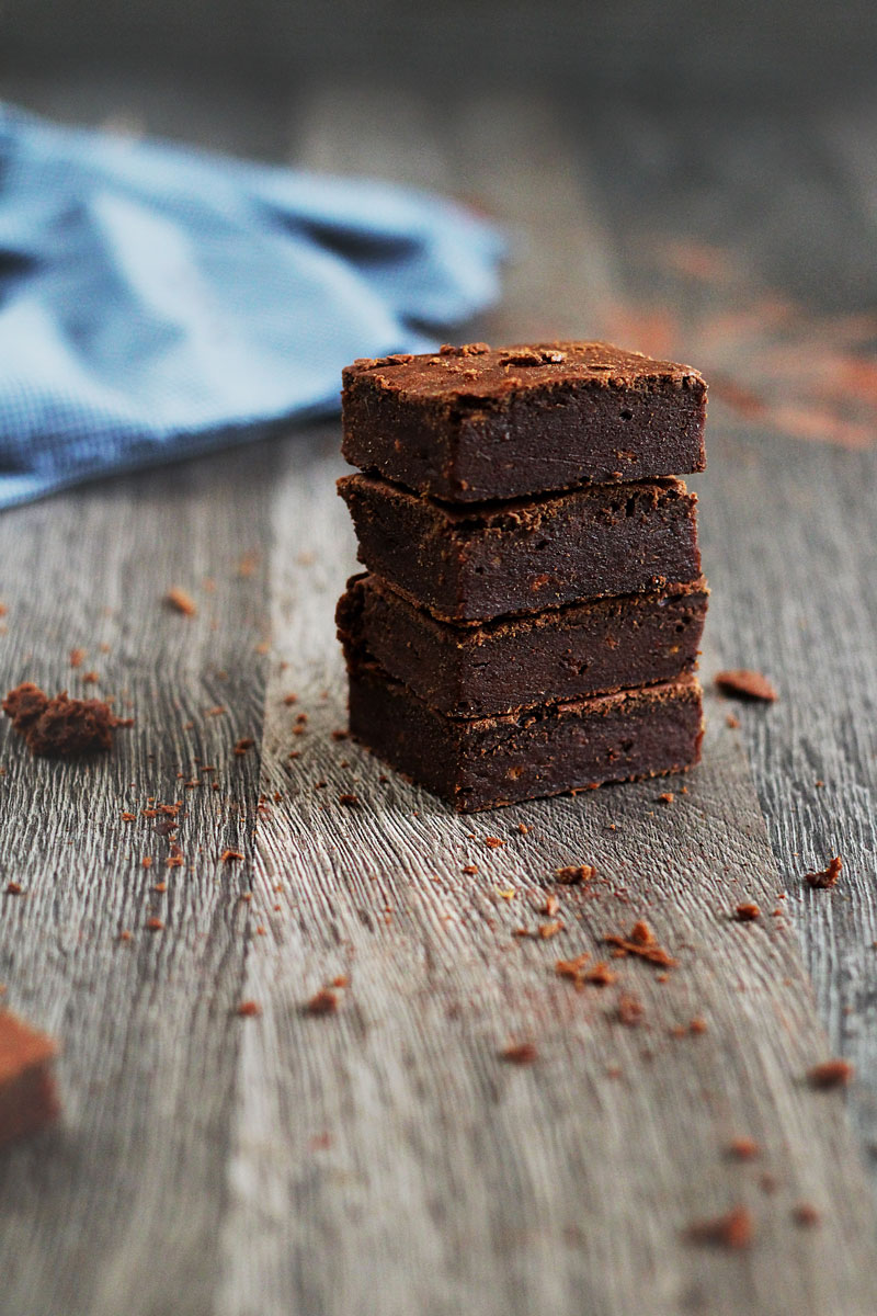 Vegan-date-brownies