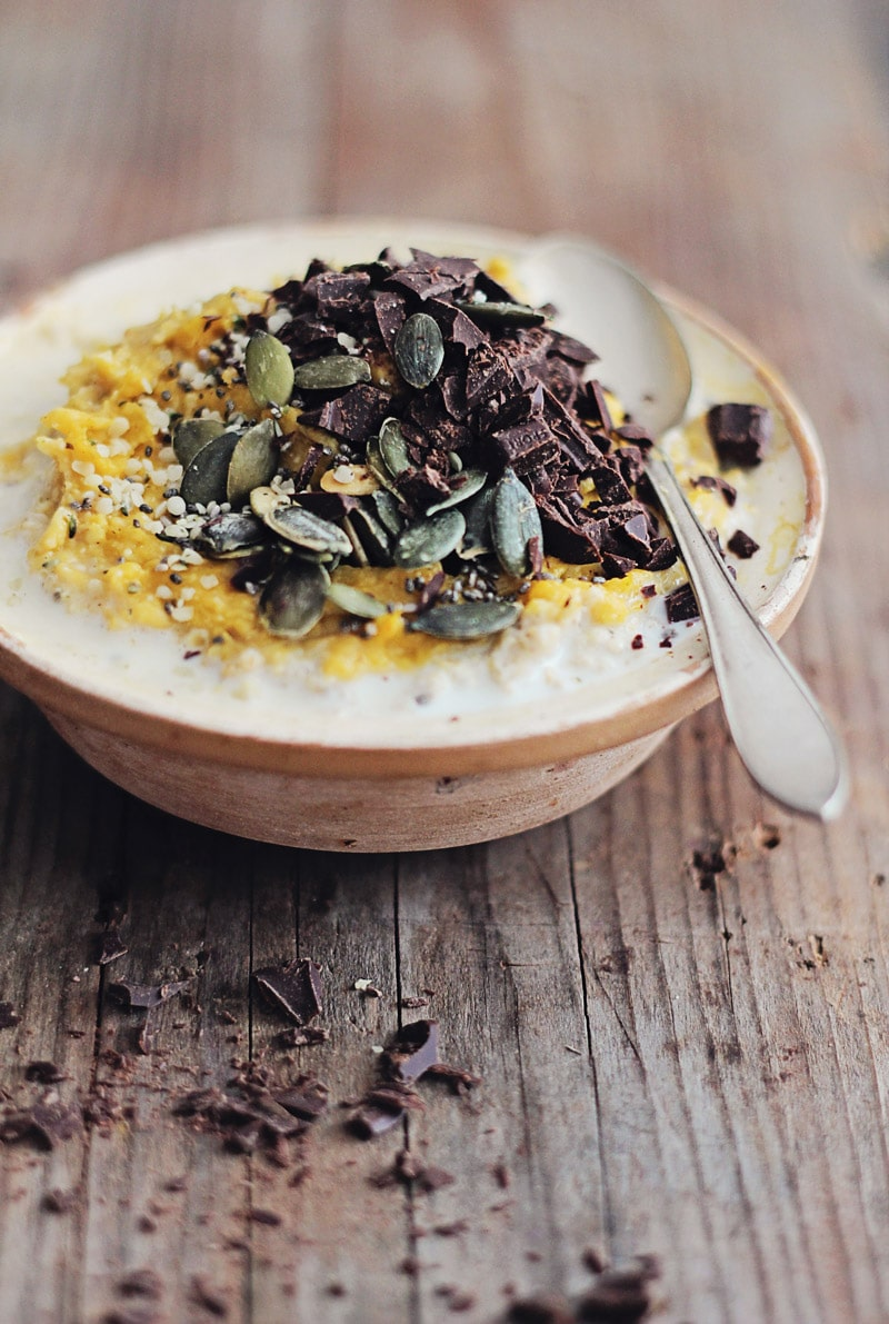Pumpkin Oatmeal with Chocolate Chunks | The Awesome Green