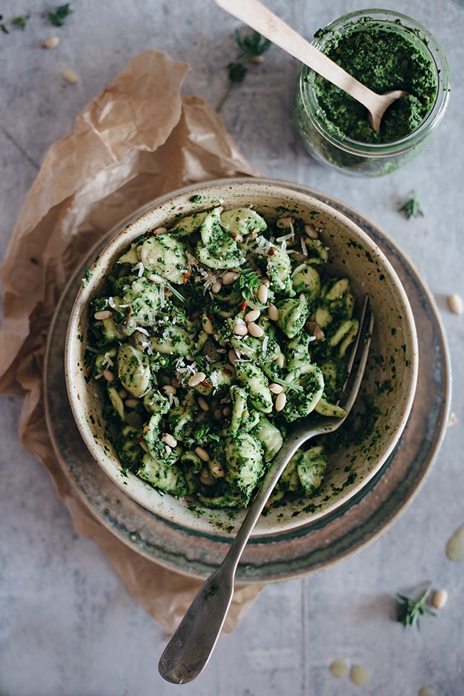 Quick orrechiette pasta with kale and summer herb pesto, rich and delicious, the perfect summer dinner #vegan | TheAwesomeGreen.com