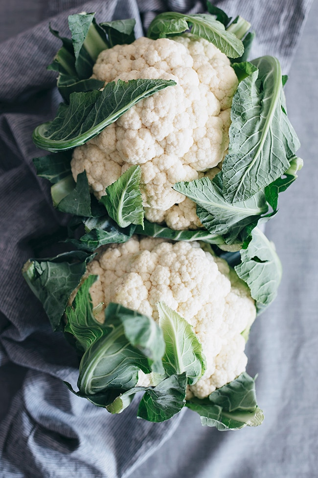 Fresh cauliflower, the main ingredient of my creamy cauliflower soup #vegan | TheAwesomeGreen.com