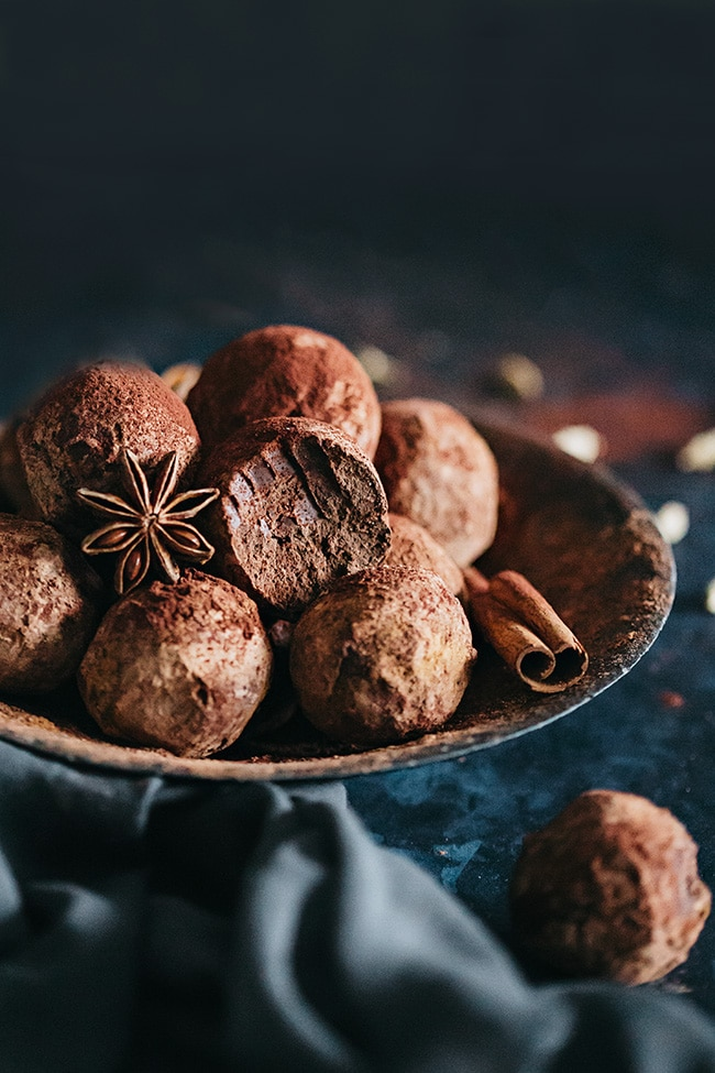 Indian Spiced fine chocolate truffles, all vegan | TheAwesomeGreen.com