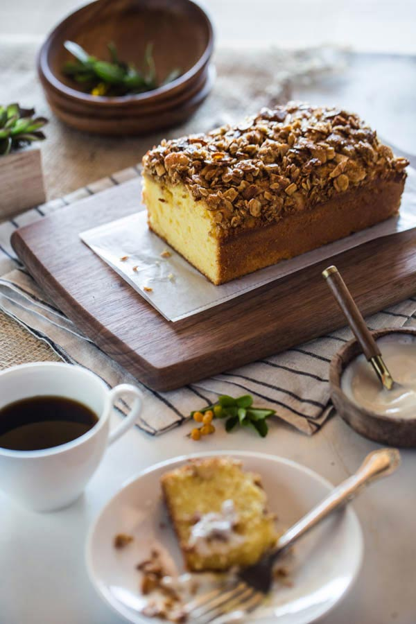 Orange-Polenta-Cake-with-Almond-and-Oat-Streusel