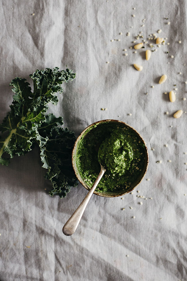 Vegan Kale Pesto | TheAwesomeGreen.com