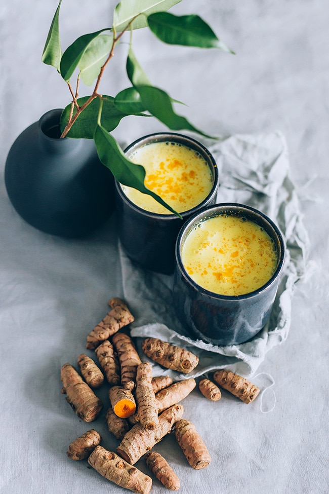 Turmeric and ashwagadha golden milk #vegan | TheAwesomeGreen.com