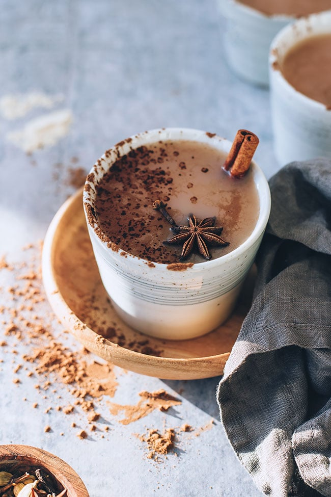 Super easy chai latte with adaptogens, caffeine-free #adaptogens #caffeinefree #foodphotography #foodstyling #chailatte #hormonebalance | TheAwesomeGreen.com