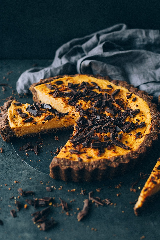 Vegan sweet potato pie with walnut crust #thanksgiving #sweetpotato #dessert #foodstyling #foodphotography | TheAwesomeGreen.com