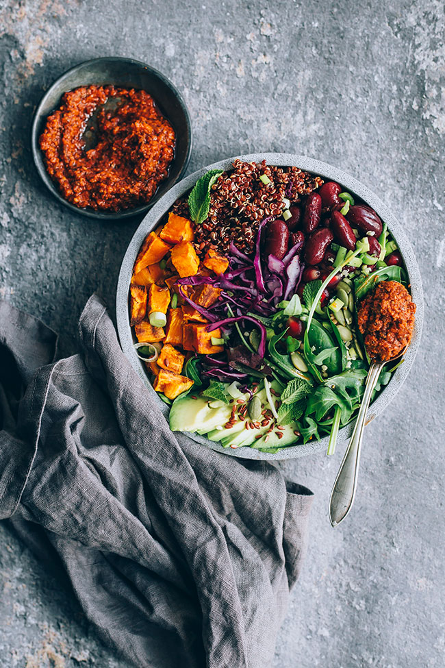 Filling Buddha bowl with sun-dried tomato dressing #buddhabowl #winterbowl #salad #detox #healthy #vegan | TheAwesomeGreen.com