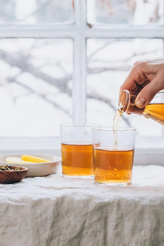 Gentle detox tea for liver and gallblader #detox #detoxtea #cleanse | TheAwesomeGreen.com