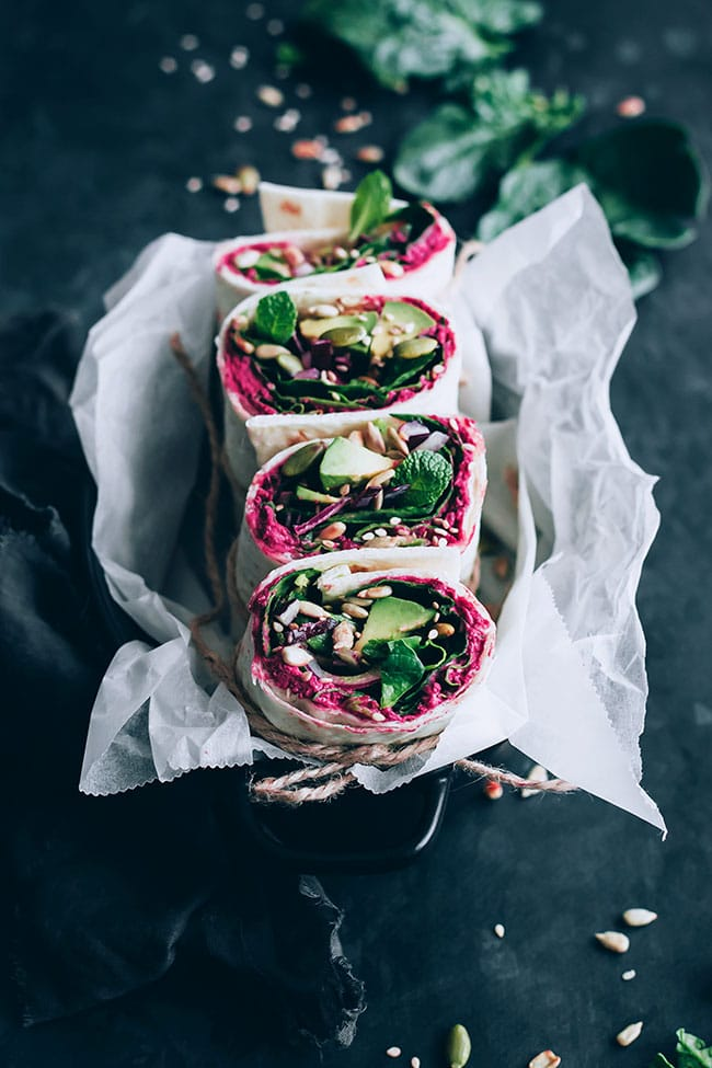 Spinach and beet hummus wrap, for a healthy lunch to-go #spinach #hummus #wrap #lunch #alkalize | TheAwesomeGreen.com