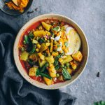 30 Mins vegetarian curry with roasted veggies and coconut yogurt #vegetarian #healthy #detox #hormonebalance #curry | TheAwesomeGreen.com