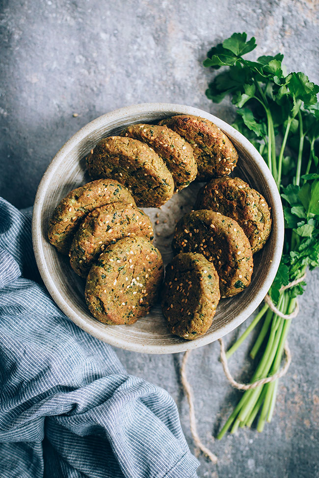 No-fail falafel patties #vegan #falafel #mediterranean #chickpea | TheAwesomeGreen.com