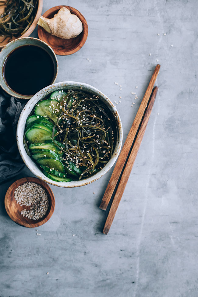Japanese Sunomono salad with cucumber and kelp #hormonebalance #japanese #kelp | TheAwesomeGreen.com