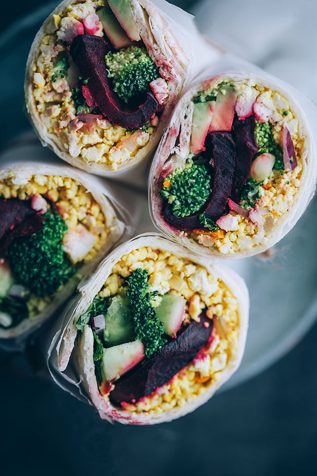 Time-saving #vegan breakfast burrito with tofu and roasted veggies #vegan #burrito #vegetarian #breakfast | TheAwesomeGreen.com
