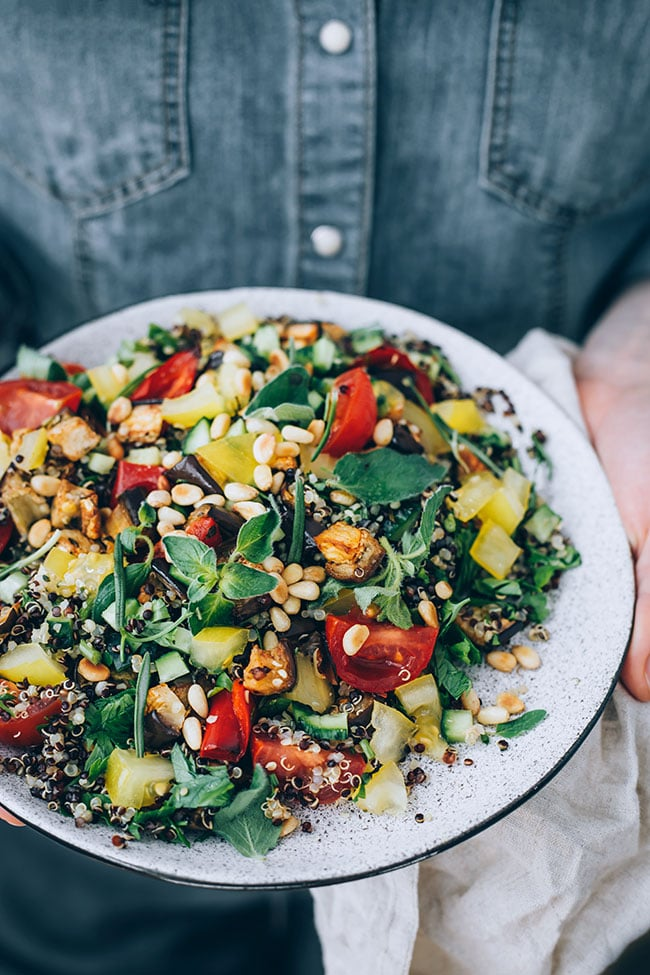 Summer quinoa salad with roasted veggies and toasted pine nuts #vegan #salad #mediterranean | TheAwesomeGreen.com