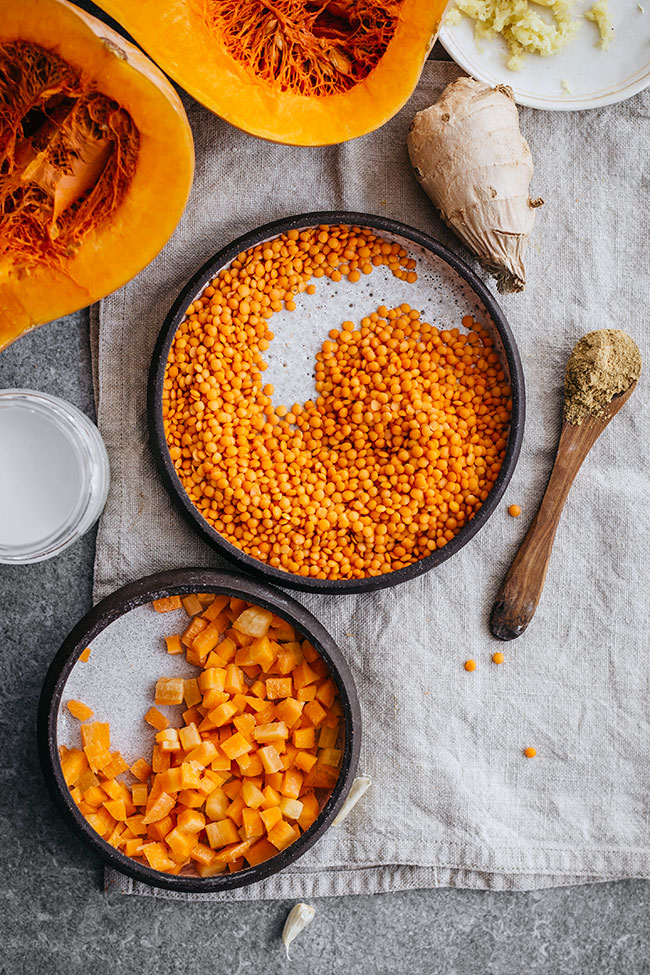 Red lentil and butternut soup ingredients #soup #fallrecipe #autumn #lentils | TheAwesomeGreen.com