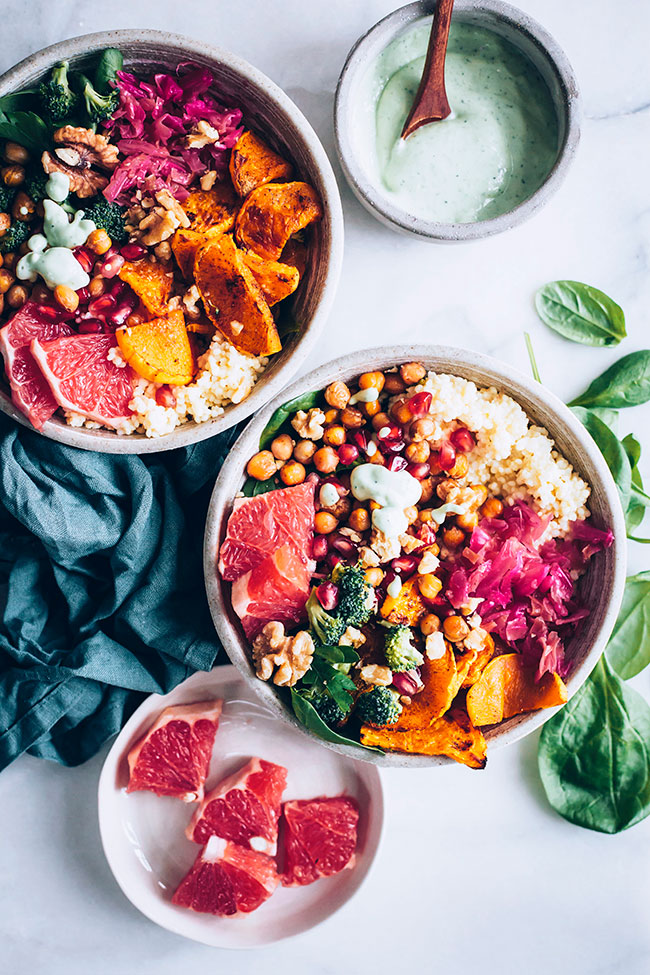 How to build a complete buddha bowl for winter, including fermented foods, fiber, protein and antioxidants #buddhabowl #salad #winter #fermented #vegan | TheAwesomeGreen.com
