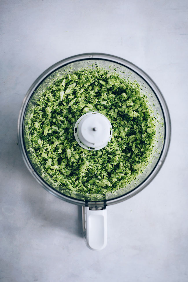 Broccoli rice #detox | TheAwesomeGreen.com