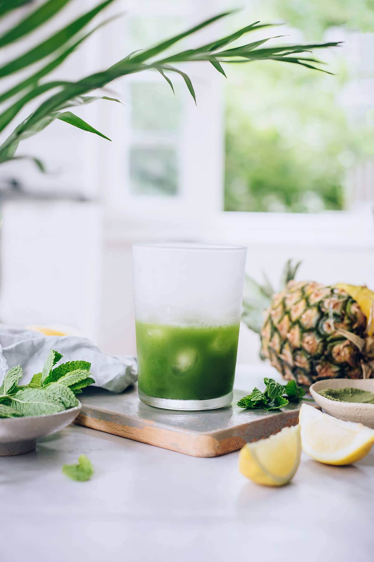 Tropical Detox Tea with Matcha, Mint and Pineapple #detoxtea #detox #summer #raw #matcha #hormonebalance | TheAwesomeGreen.com